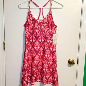NEW Tehama outdoor S, athletic dress